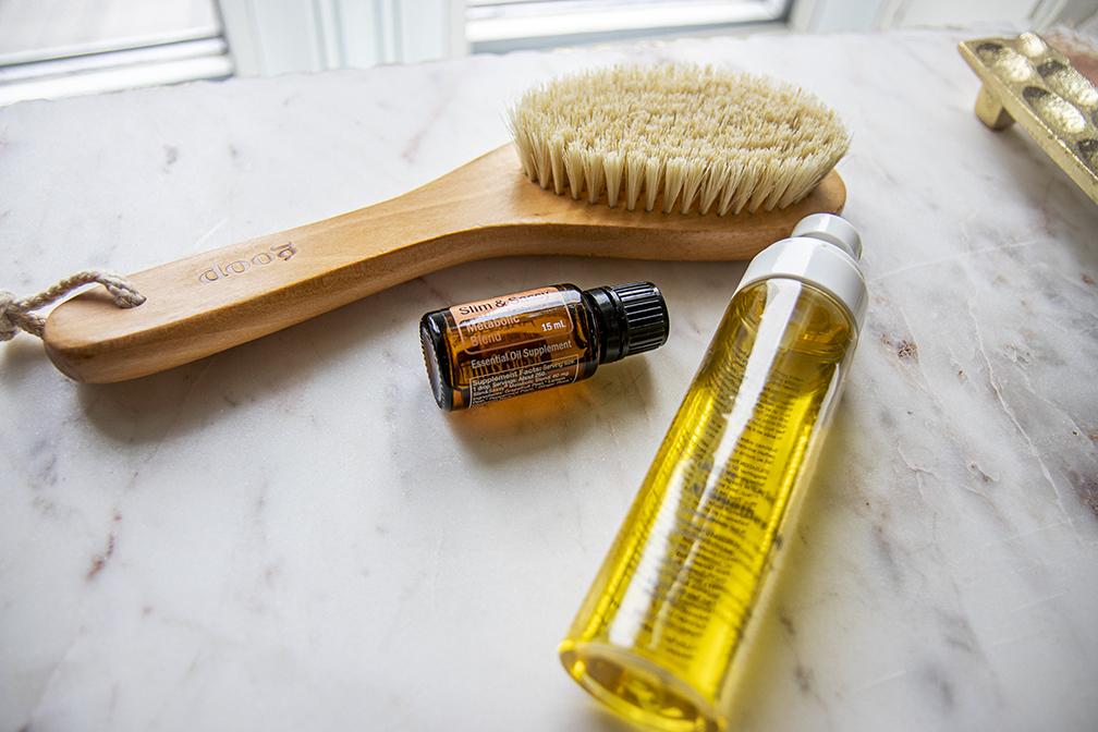 dry brushing essential oil
